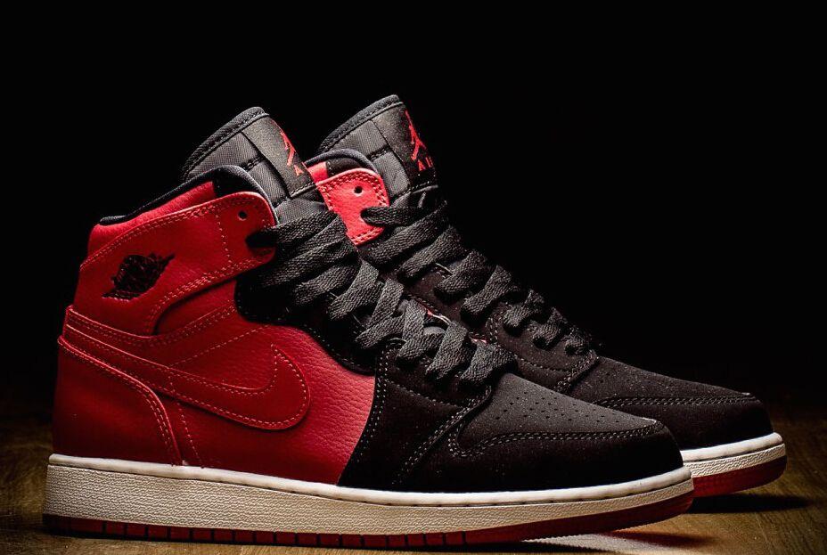 Air Jordan 1 High Color:Black/Varsity