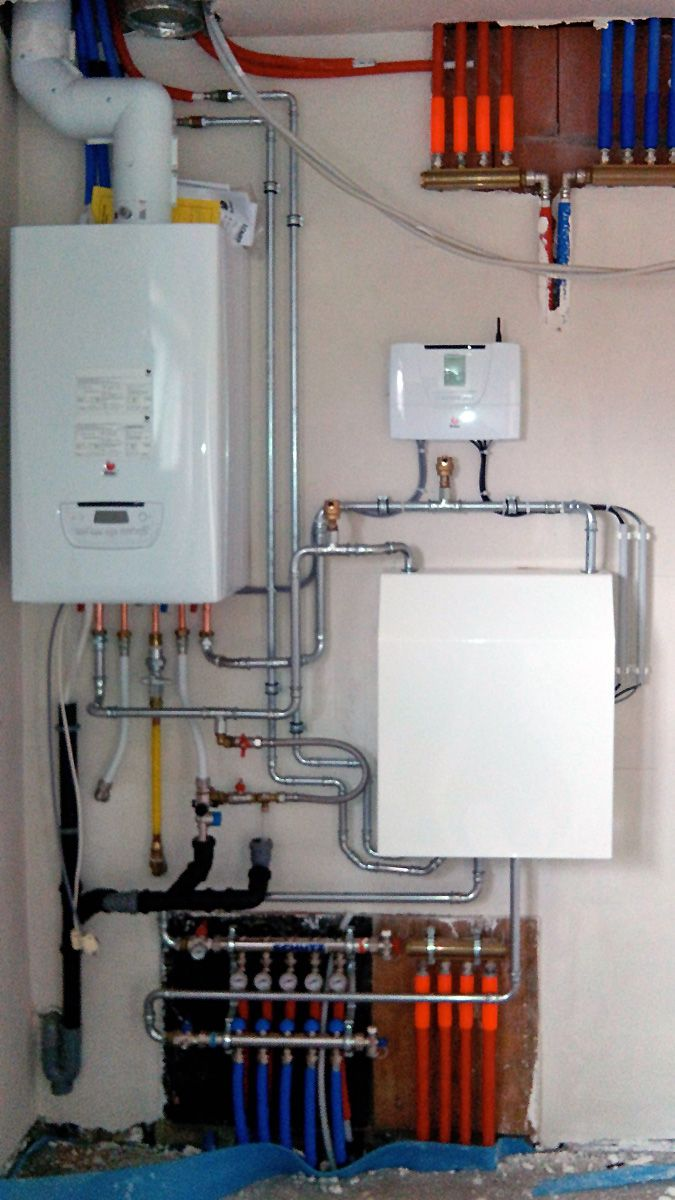 CV met vloerverwarming, een circuit radiatoren en warm