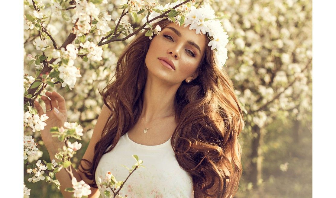 Natural mineral makeup will protect and improve your skin