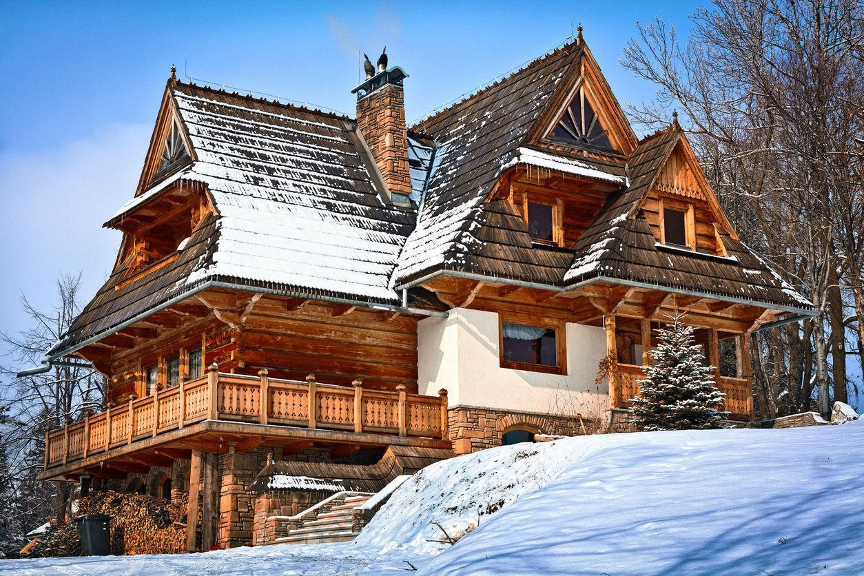 25 Dreams Homes You Ll Wish Were Yours Hugehouses Winter House