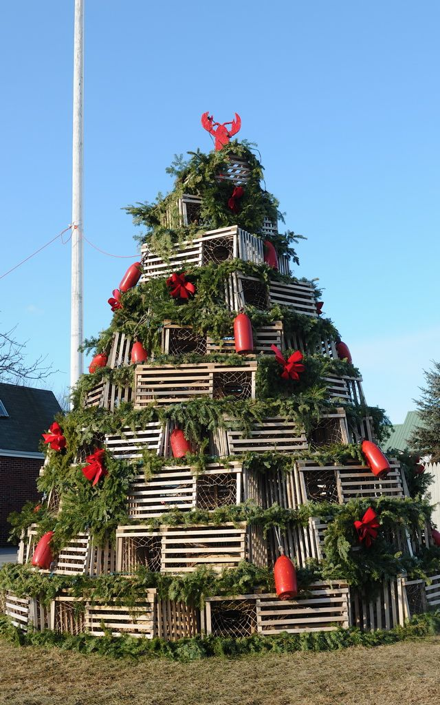 christmas cape porpoise maine uses traditional wooden lobster pots for its village center lobster pot tree tom nangle photo