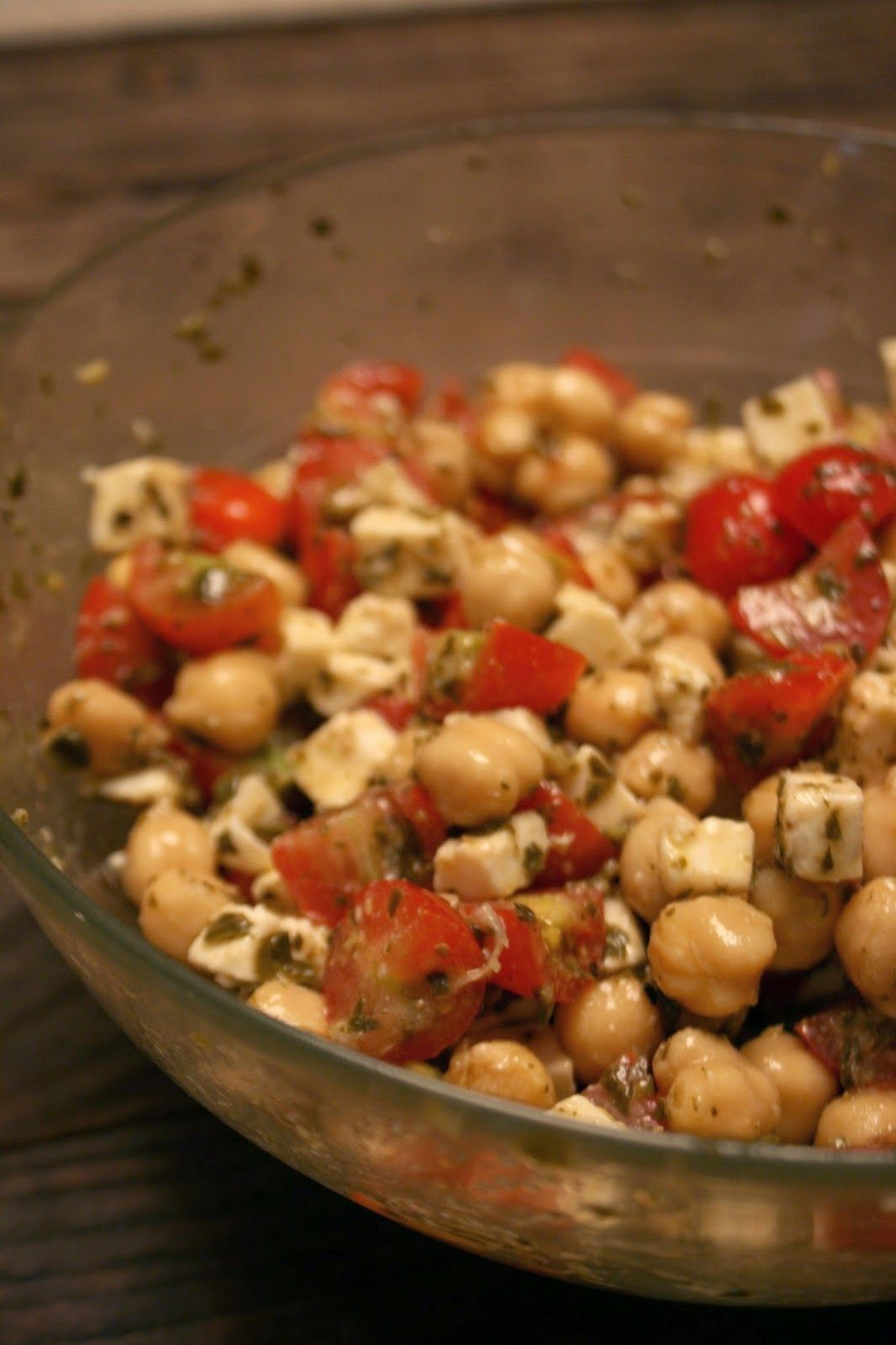 SIMPLE FOUND TREASURES: Chickpea and Pesto Salad with Tomatoes and Mozzarella