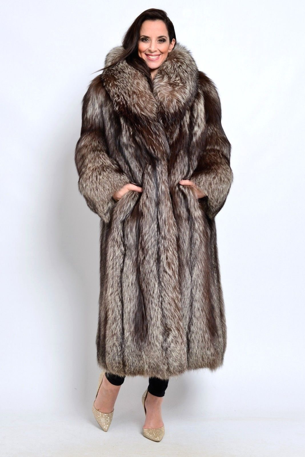 SILVER FOX FUR COAT LET OUT CLASS OF BLUE BLUE RED