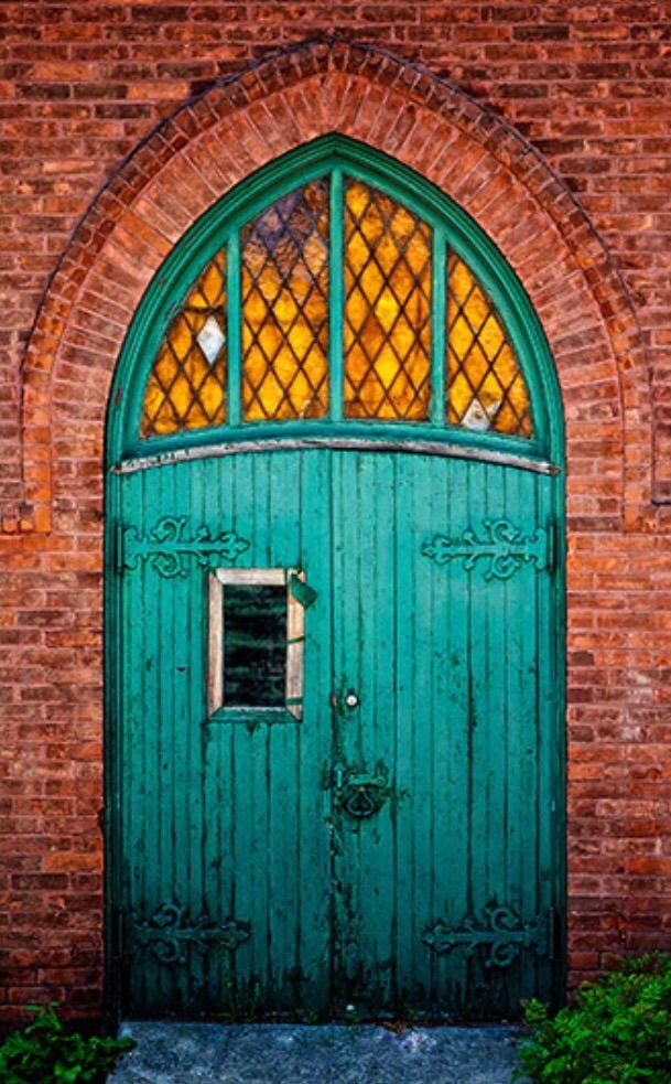 Owen Sound Ontario Canada & Before the Green Door | Ontario Doors and Gates