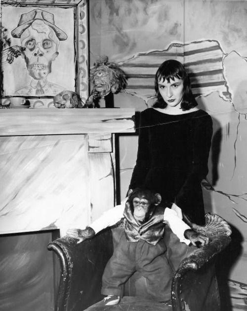 Horror Host Tarantula Ghoul and friend.