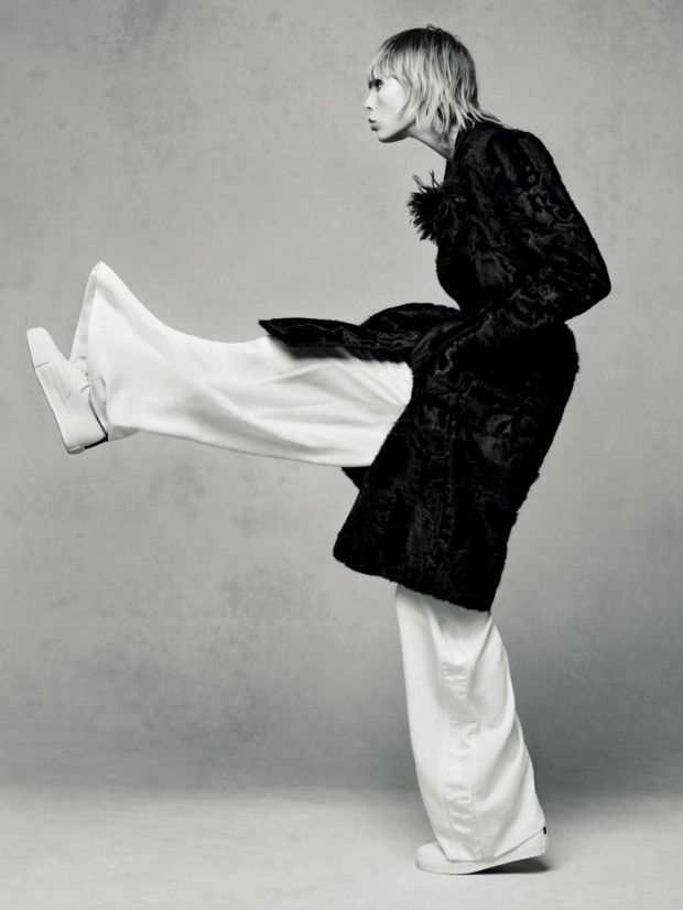 Edie Campbell does oversized style for Vogue China December 2015 by Sølve Sundsbø [fashion]