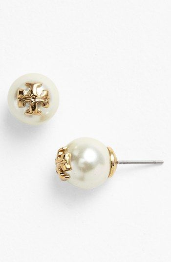 Such a polished finish on these Tory Burch logo faux pearl stud earrings.