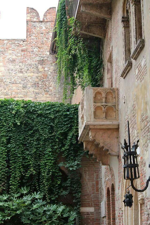 Verona terrazzo Giulietta e Romeo | Luoghi da visitare | Pinterest ...