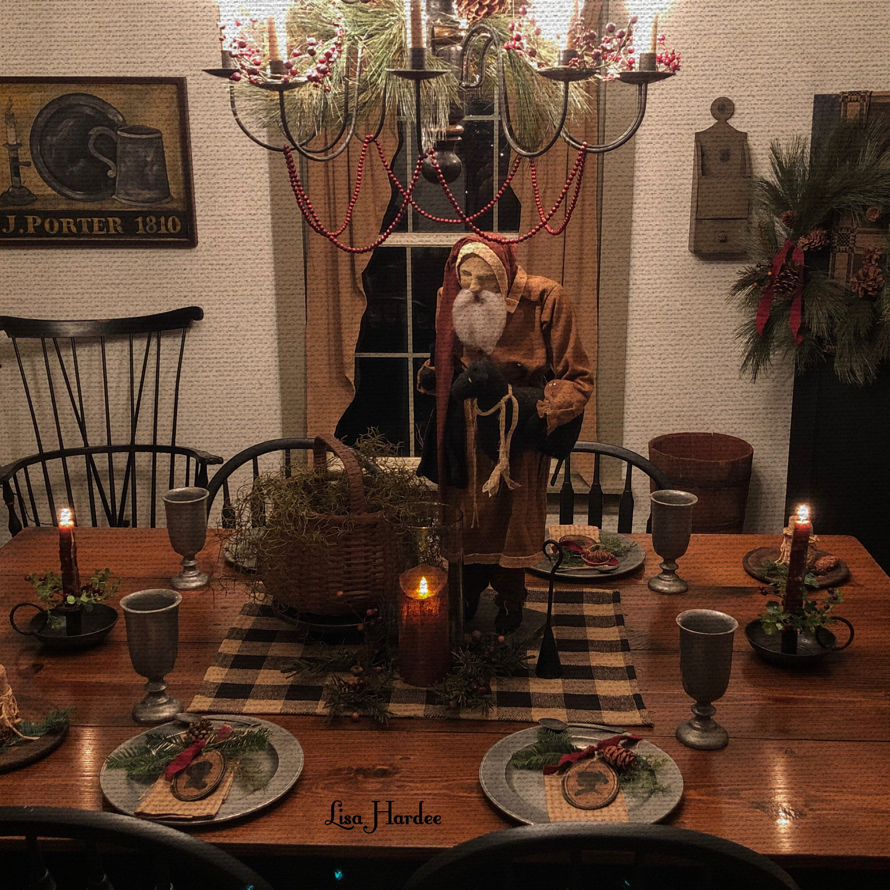 Arnett Santa Makes A Wonderful Centerpiece For The Dining Room Table Christmas Dining Table Decor Primitive Decorating Country Christmas Dining Table