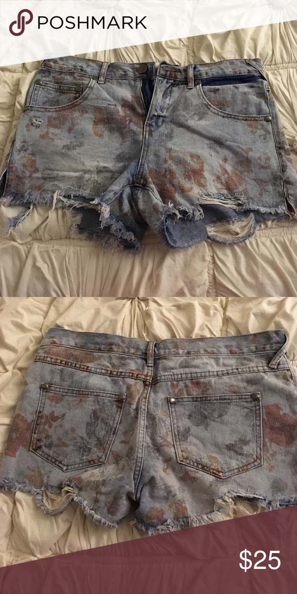 d01e96f180 Floral print denim shorts Free people floral denim shorts Free People  Shorts Jean Shorts