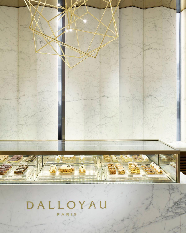 The Yabu Pushelberg designed Dalloyau in Hong Kong is part of Interior design magazine, Yabu pushelberg, Yabu, Bakery interior, Shop interiors, Retail interior - Design firm Yabu Pushelberg creates a stylish home for French pastry company Dalloyau's first location in China