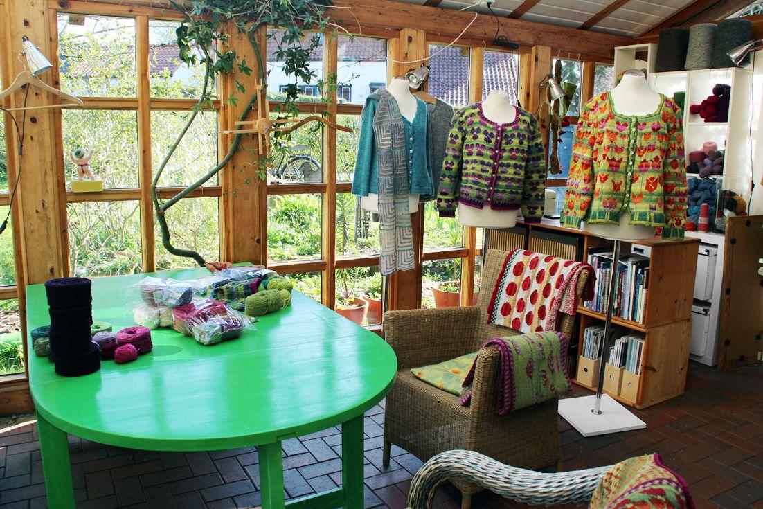im atelier impression wool knitting stricken wolle pullover wintergarten einrichtung. Black Bedroom Furniture Sets. Home Design Ideas