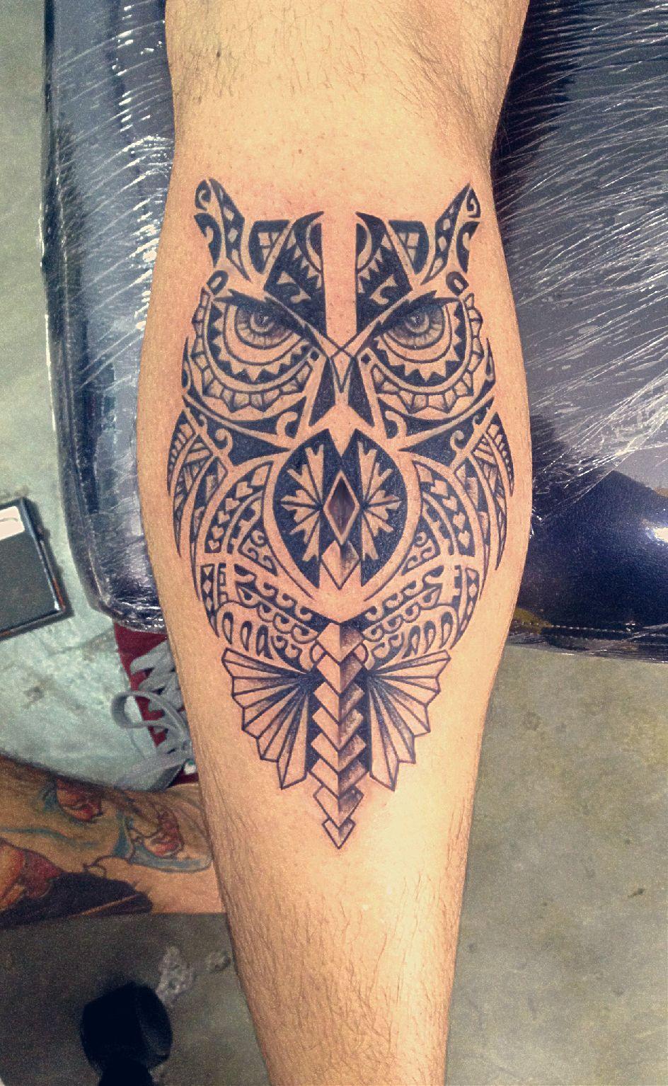 Tatuagem Maori Tribal Polinésia Coruja Perna