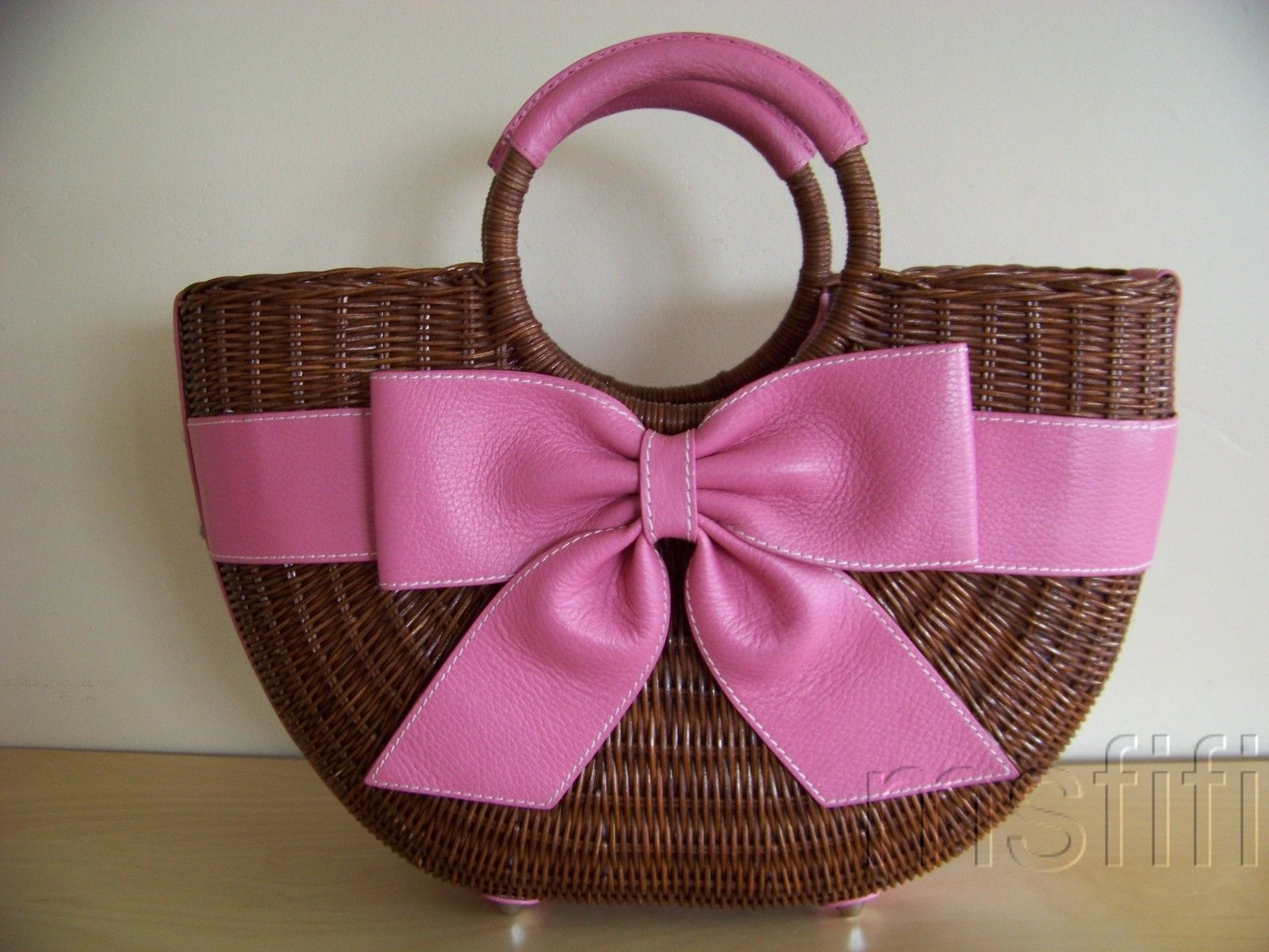 Isabella Fiore Large Wicker Pink Leather Bow Purse 101