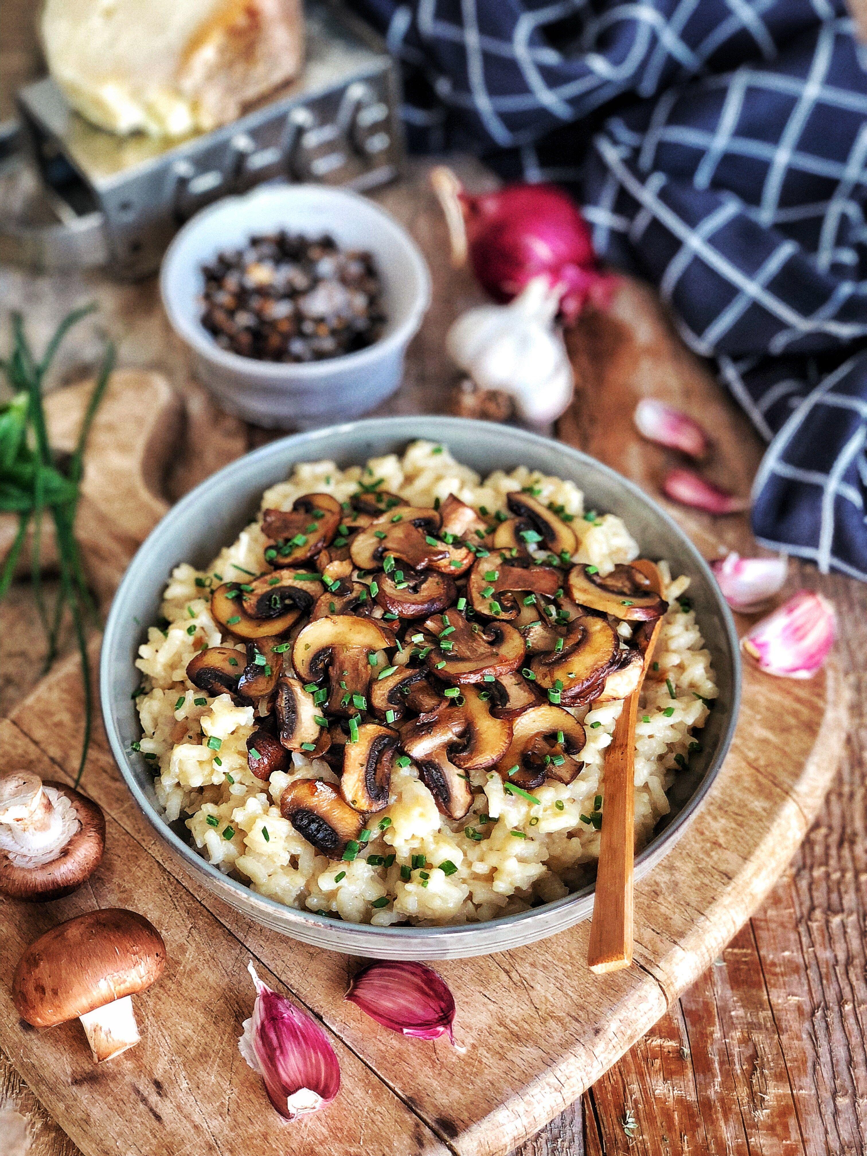 Risotto aux champignons et au parmesan   Risotto champignons, Recette risotto champignons ...