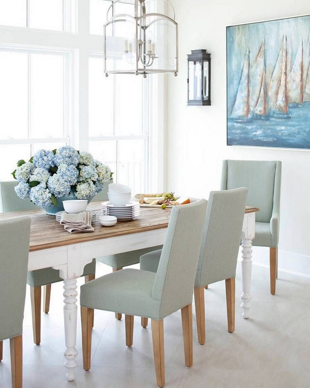 20 Marvelous Coastal Glam Decor For Beautiful Home Decoration Ideas White Dining Room Table Large Dining Room Dining Room Windows