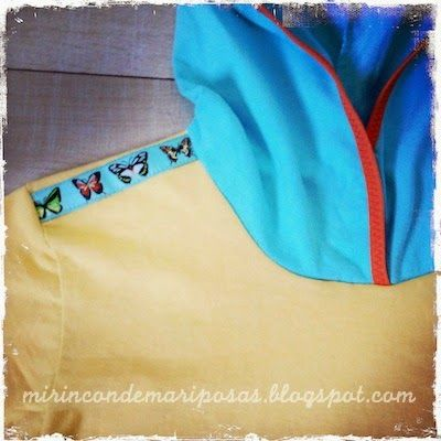 mi rincón de mariposas: Camiseta con capucha