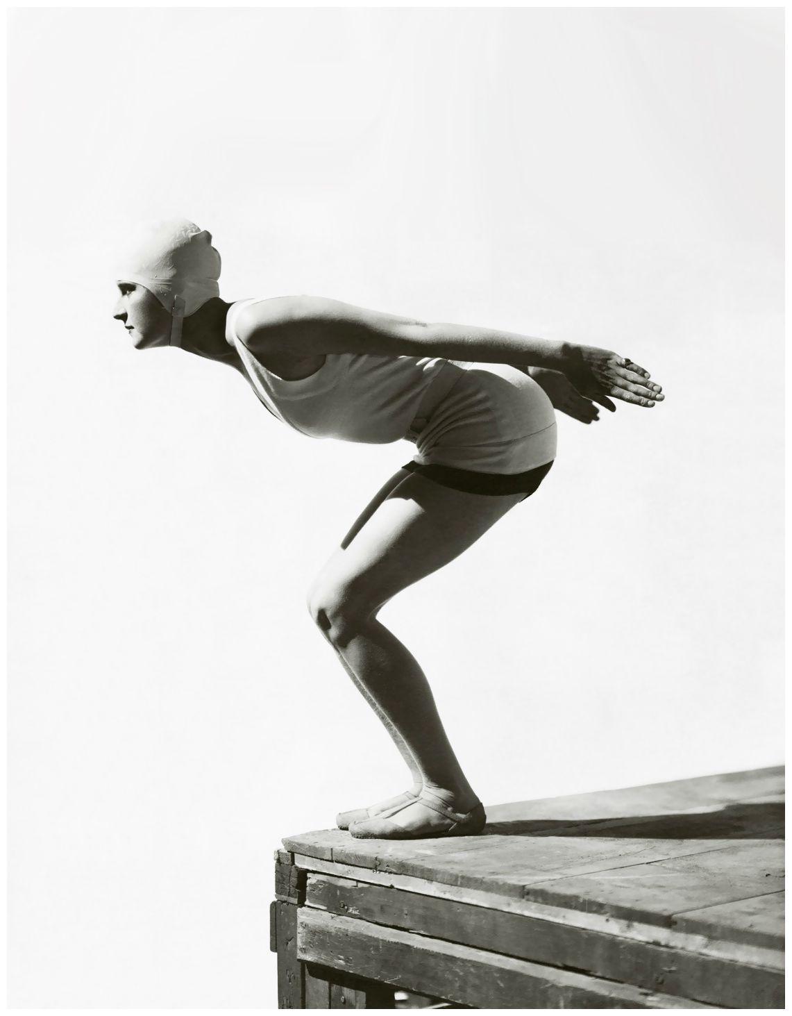 George Hoyningen-Huene – Jean Patou swimsuit 1929 |