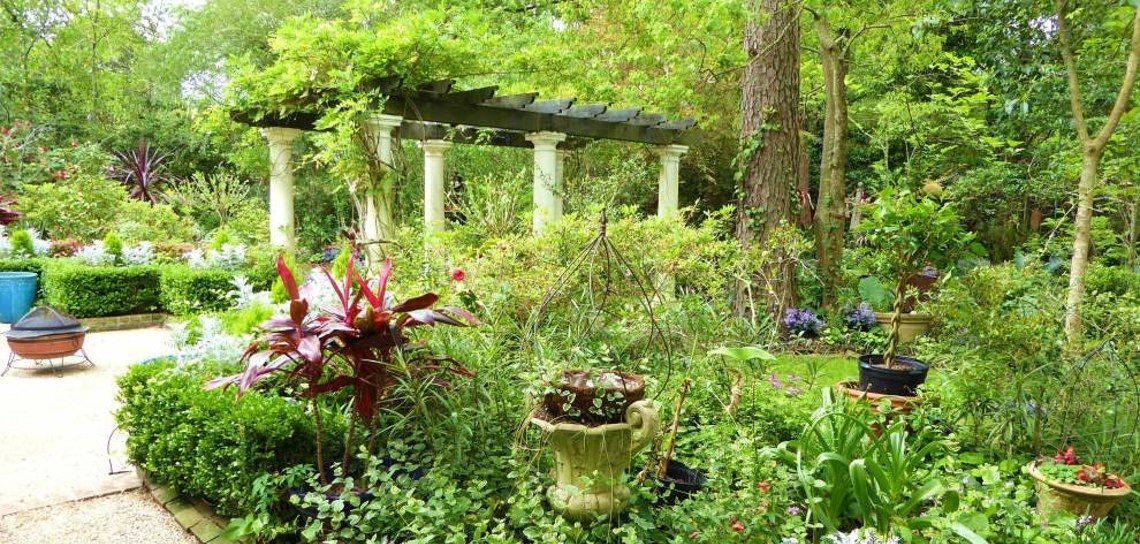 Hilltop Arboretum brings the outside in with Spring Garden