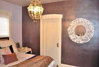 Love Using Metallic Walls In A Bedroom Paint By Sherwin Williams Base Color Chinchiilla Overlayed With Pearl Chandelier Creates Depth