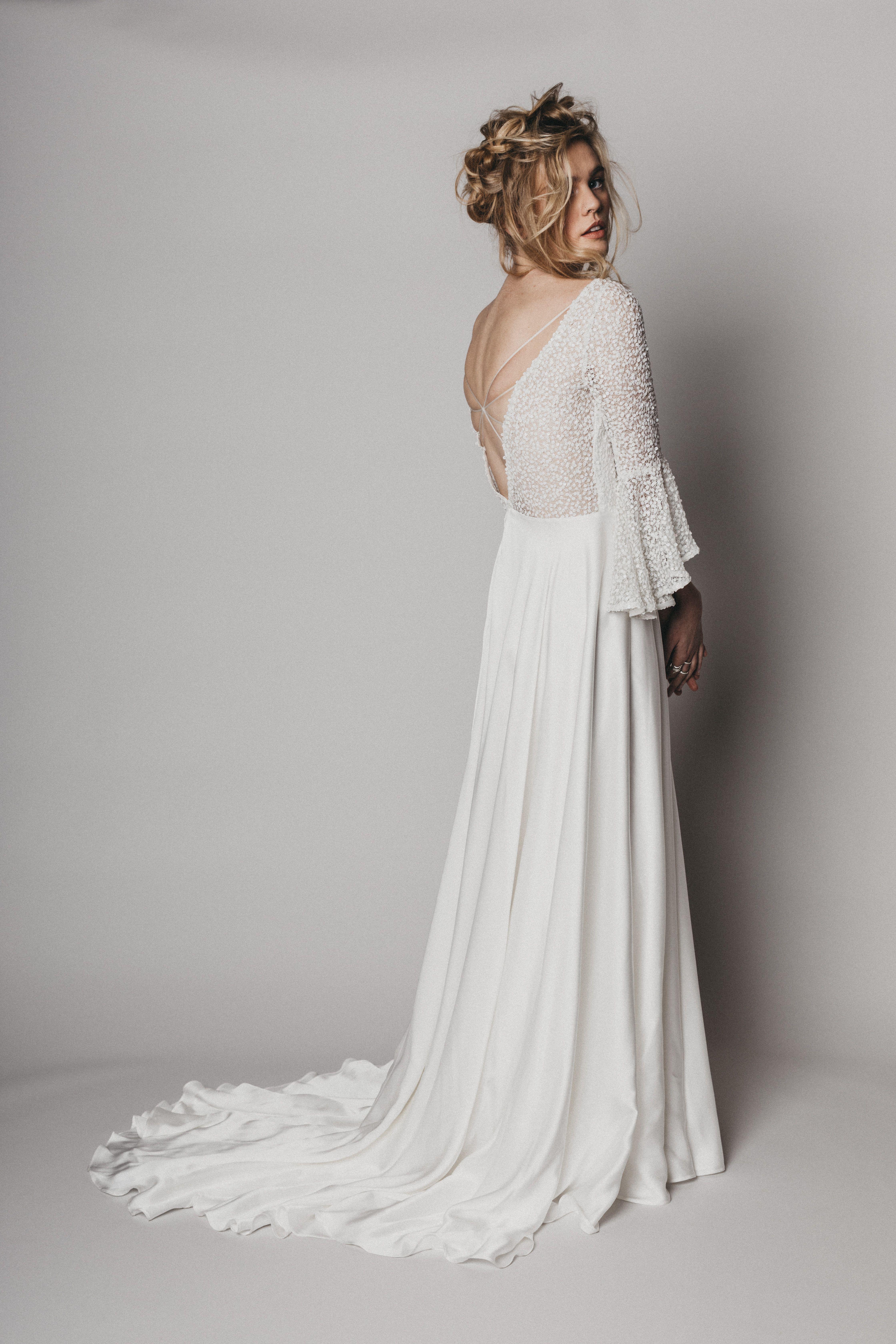 Relaxed Long Sleeve Boho Wedding Dress By Rolling In Roses Long Sleeve Wedding Dress Boho Wedding Dresses Modern Bridal Dress [ 6720 x 4480 Pixel ]