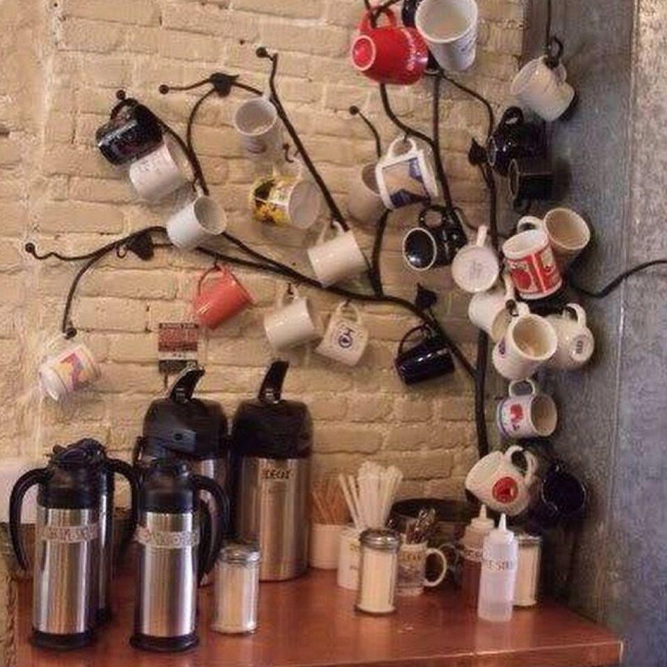 Resultado de imagem para decoração pinterest com canecas e café