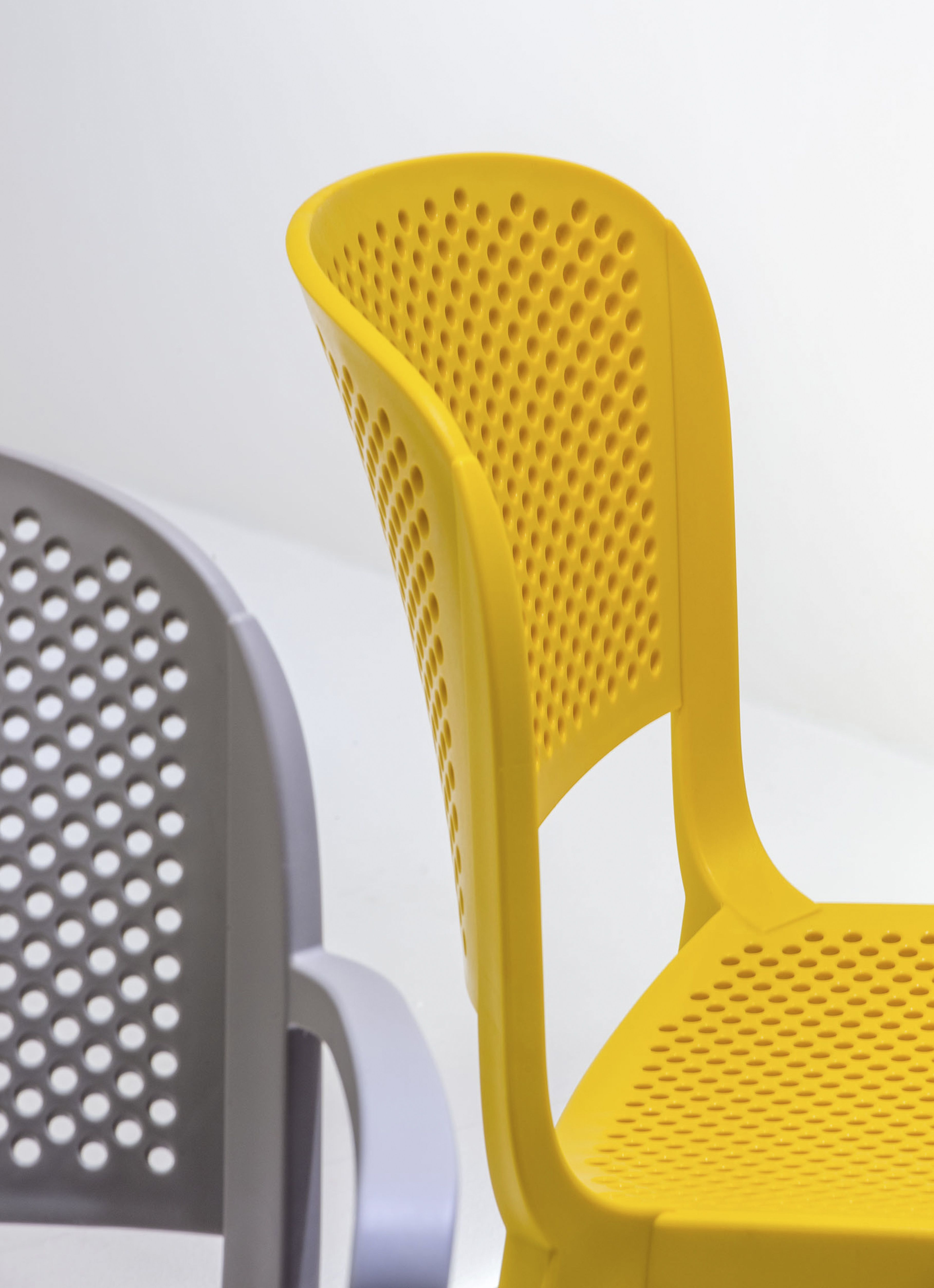 Monte sua my chair - Dome Perforated Seat And Back Pedrali Chair Yellow Design Odo Fioravanti