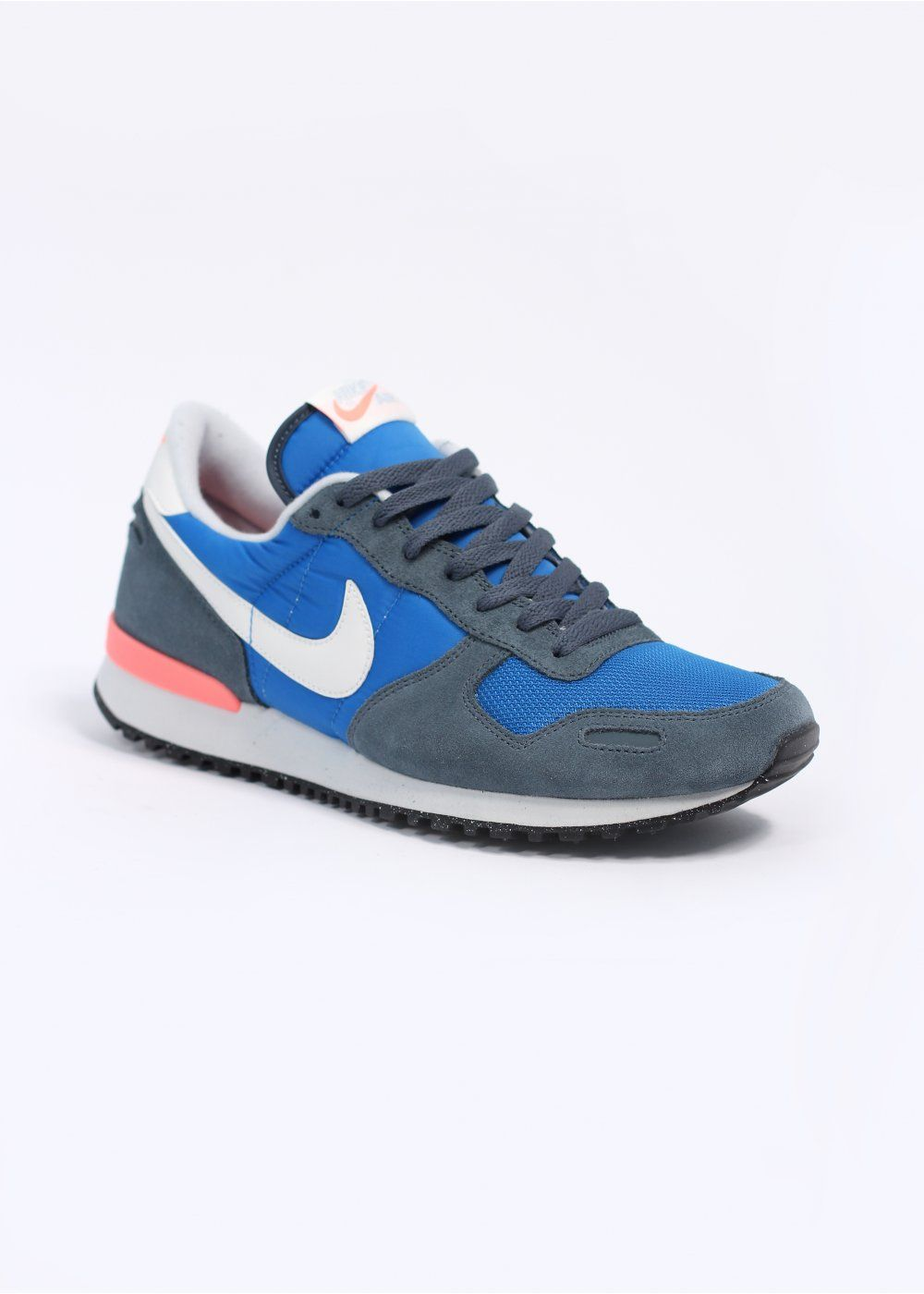 nike retro trainers  2a68081147c4
