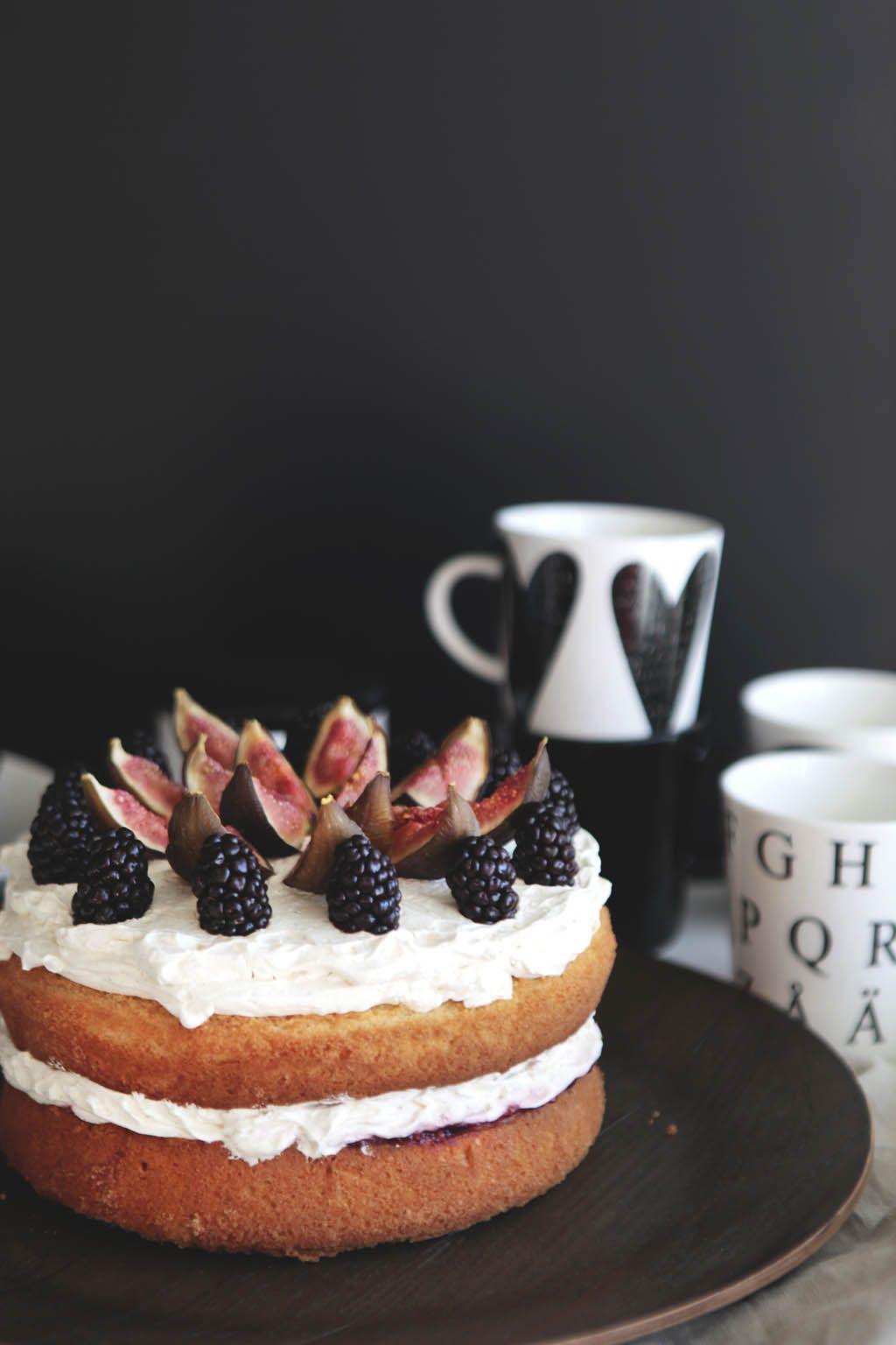 Iloleipuri - Naked sponge cake