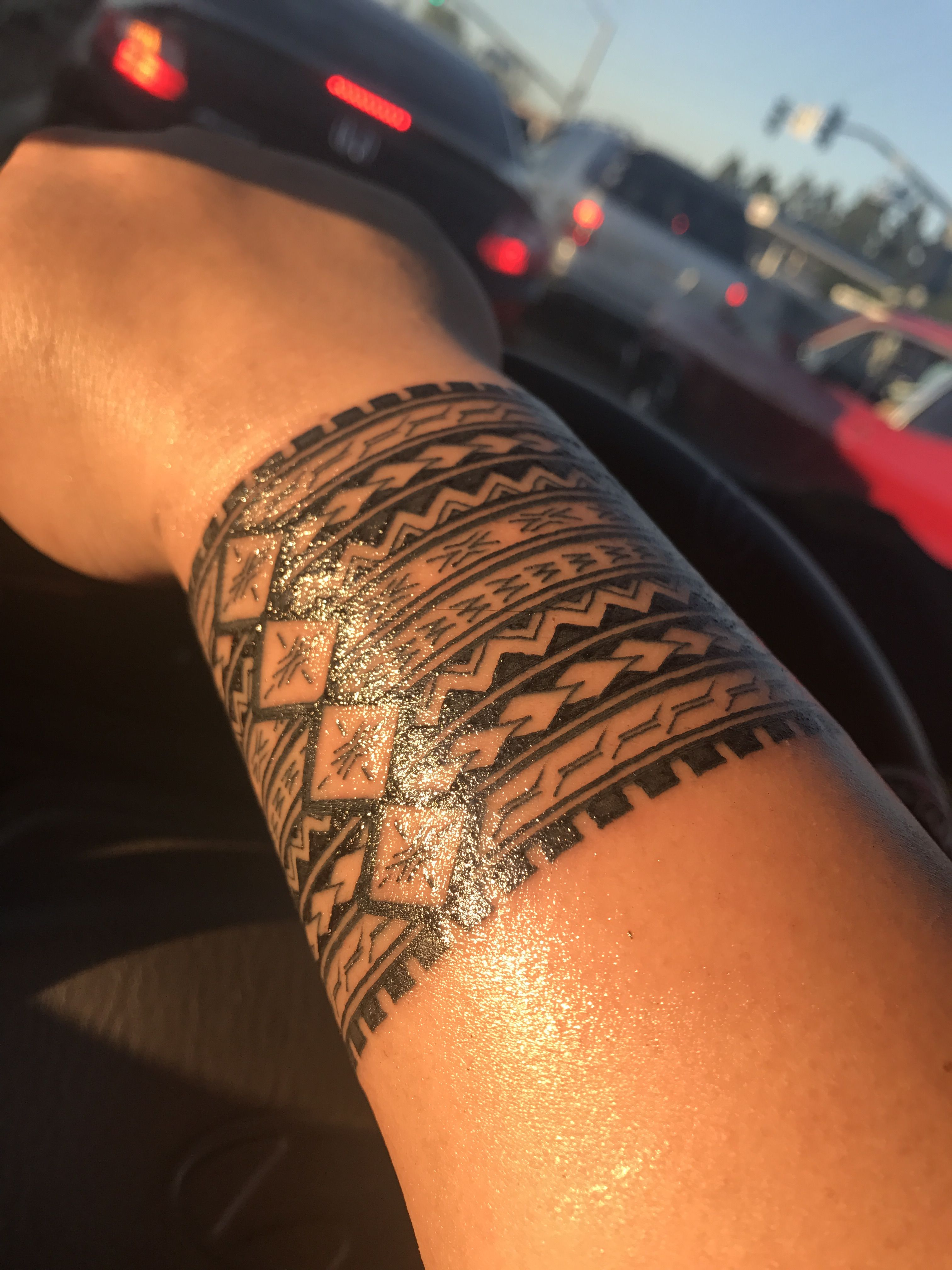 Samoan Wrist Tattoo : samoan, wrist, tattoo, Samoan, Taulima, Tribal, Tattoos, Women,, Hawaiian, Tattoos,