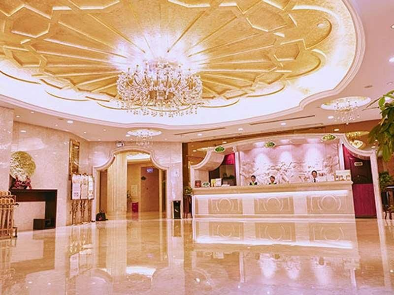 Guiyang Vienna Hotel Guiyang Yunyan Baoshan North Road Brand China, Asia Vienna Hotel Guiyang Yunyan Baoshan North Road Bra is perfectly located for both business and leisure guests in Guiyang. Offering a variety of facilities and services, the hotel provides all you need for a good night's sleep. Take advantage of the hotel's 24-hour front desk. Towels, slippers, internet access – wireless, internet access – wireless (complimentary), non smoking rooms can be found in selected...