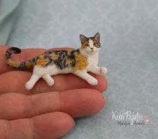 Dollhouse Miniature Cat Sculpture by Pajutee