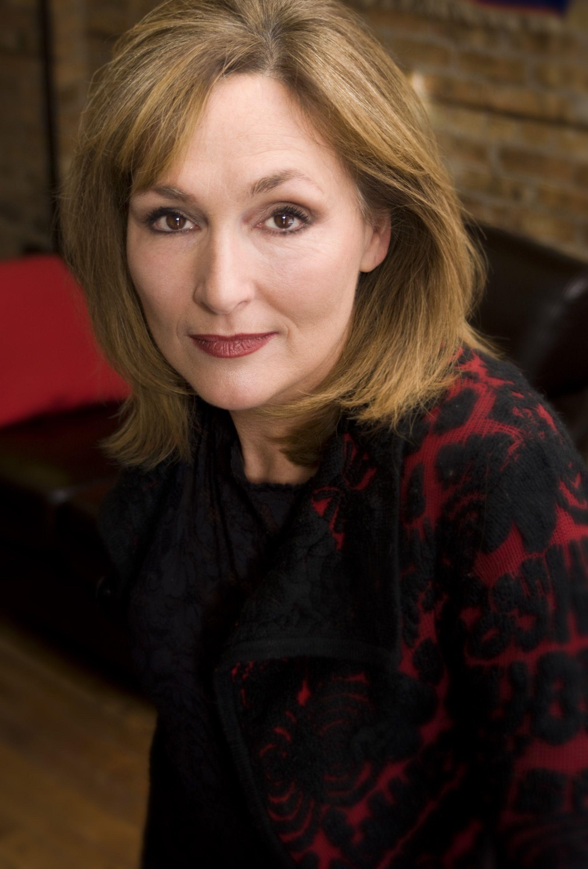 Nora Dunn
