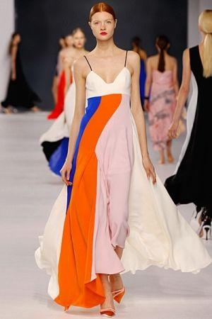 فستان من الشيفون بتماذج الابيض و الاورنج و الازرق Fashion Fashion Week 2014 Fashion