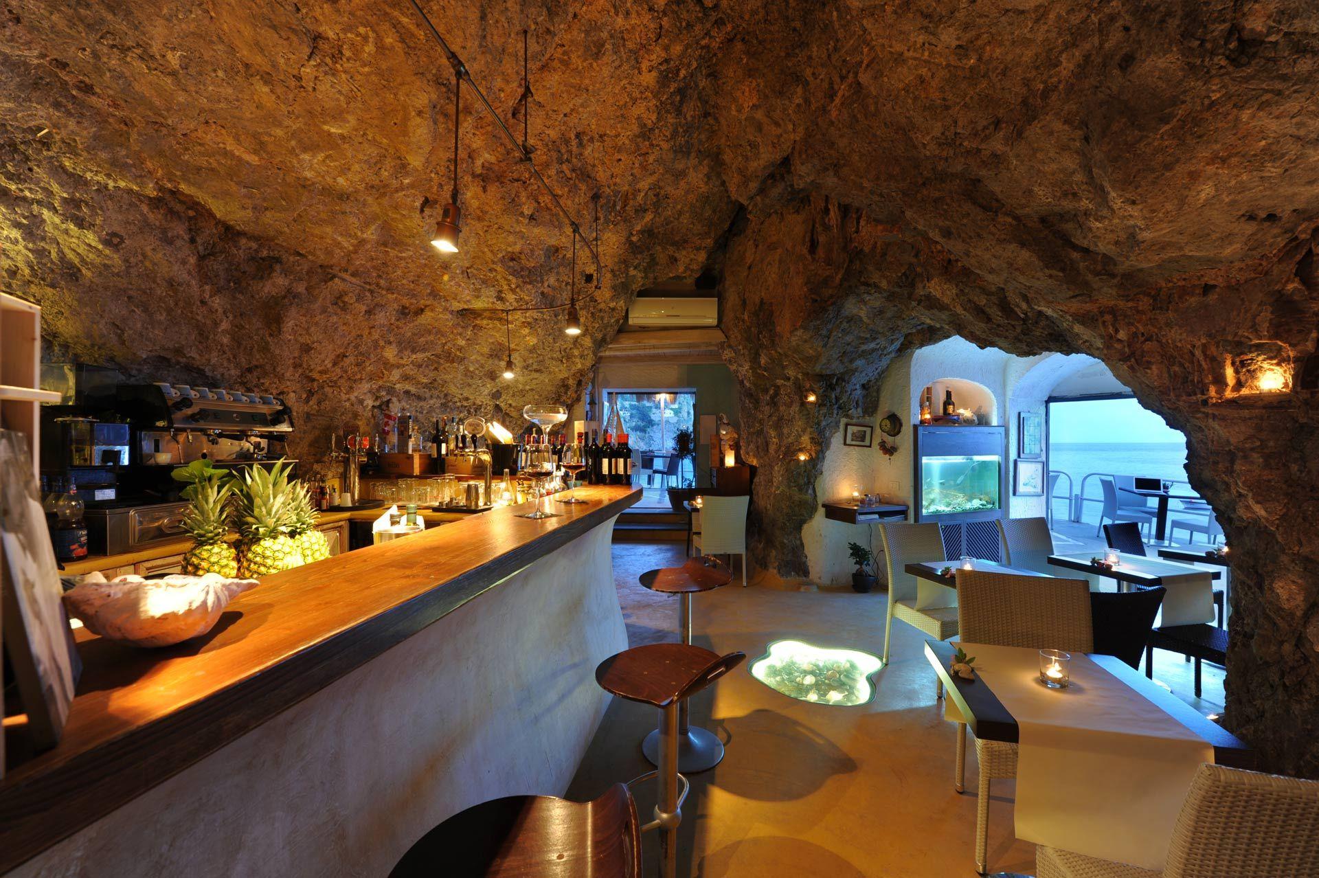 Il Pirata Restaurant Lounge Bar Seaview On Amalficoast Amalfi Coast Restaurants Amalfi Coast Amalfi Coast Italy
