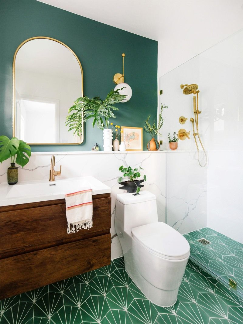 4 Bathroom Accent Wall Ideas, Because They're the Next Big Trend