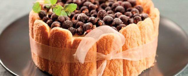 Torta helada con vainillas