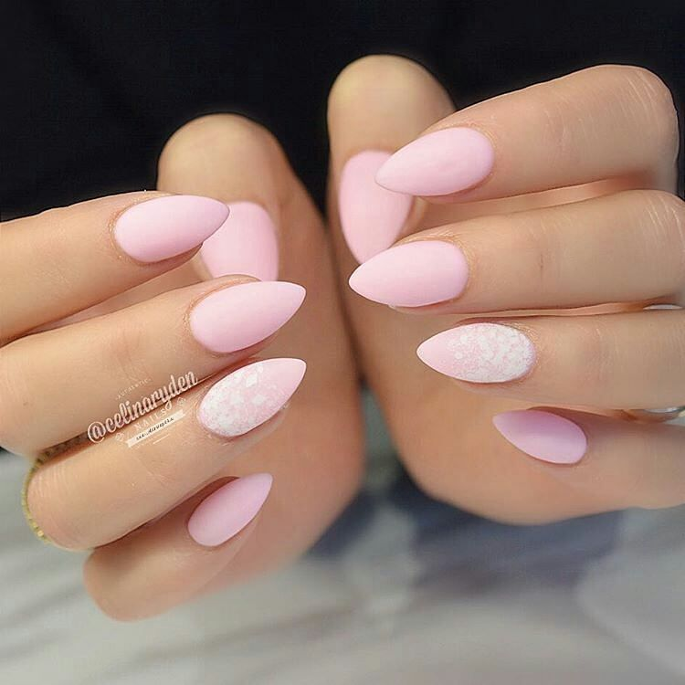 pink almond nails round nails pinterest ongles faux ongles et idee ongles. Black Bedroom Furniture Sets. Home Design Ideas