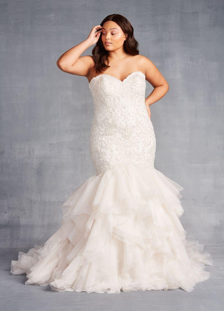 Strapless Sweetheart Neckline Beaded Plus Size Mermaid Wedding Dress With A Dramatic Layered Plus Wedding Dresses Kleinfeld Bridal Dresses Ruffle Wedding Dress [ 1080 x 778 Pixel ]