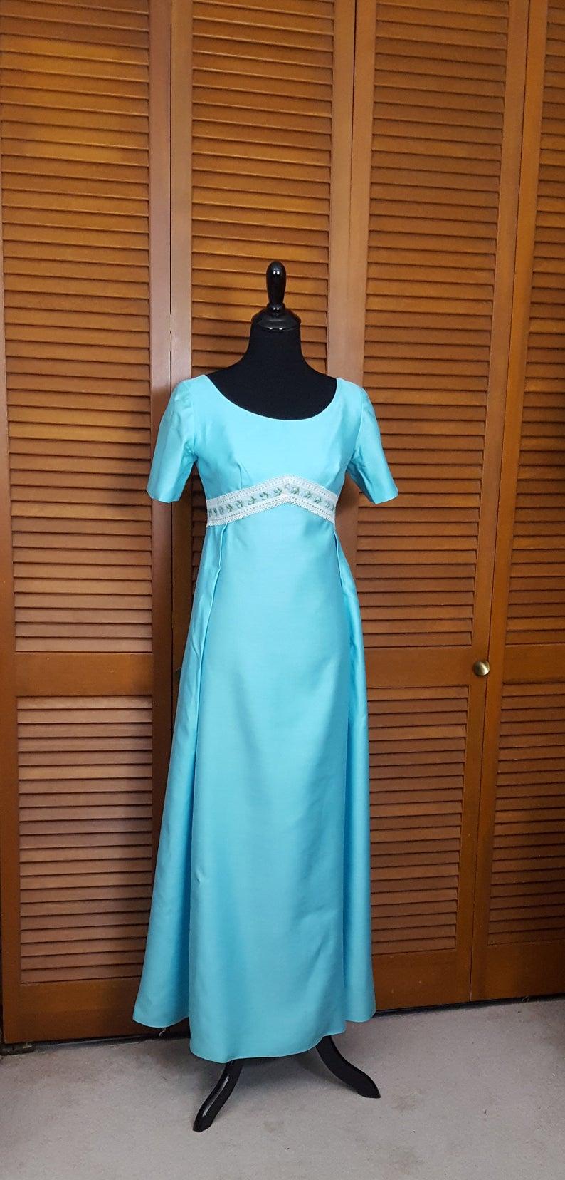 Vintage 1970s Sylvia Ann Bridesmaid Or Prom Dress Robin S Egg Blue Size Small 6 8 Dresses Blue Dress Formal Prom Dresses [ 1656 x 794 Pixel ]