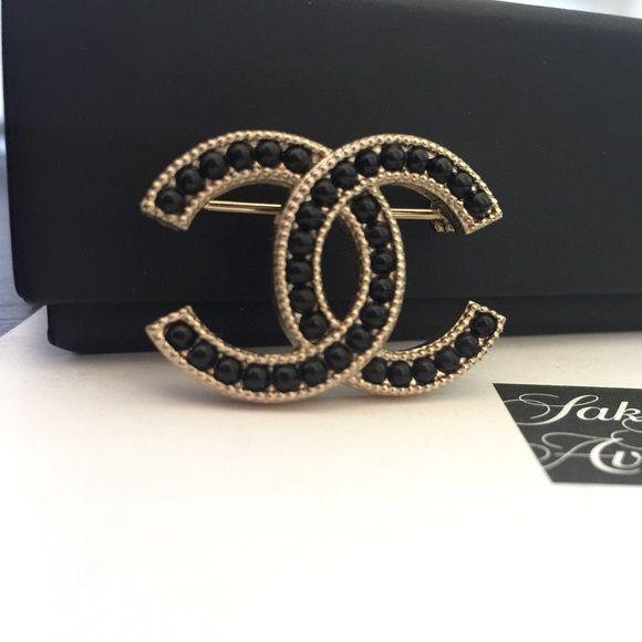 CHANEL Molten Lava Glass Gold Brooch Beautiful classic CC