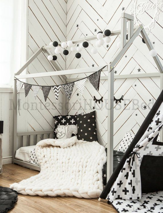 Toddler house bed without slats, Montessori floor bed, kids bed, wood bed, kids bedroom, house shaped bed