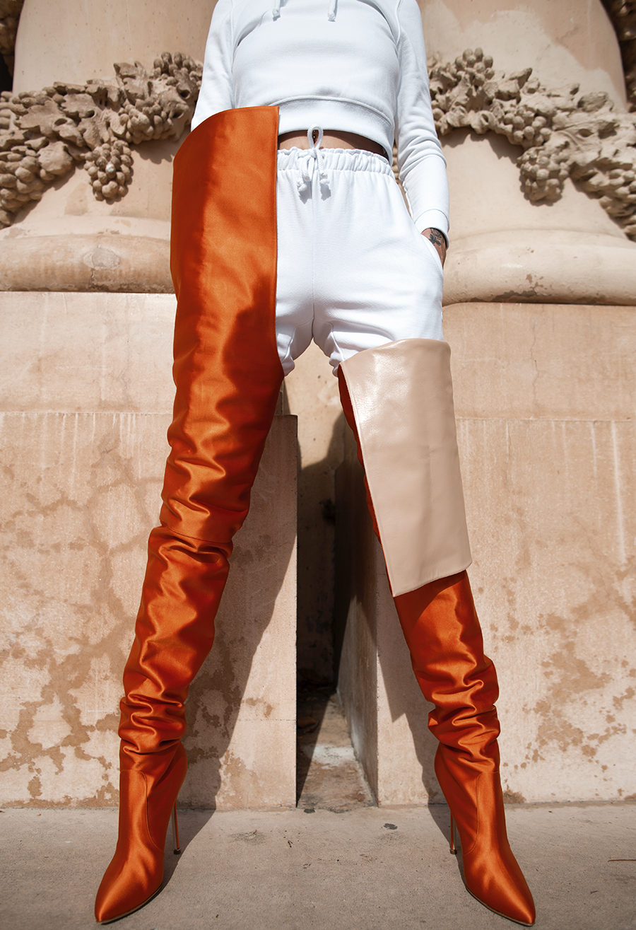 3301bed6e53 Vetements x Manolo Blahnik Orange Satin Boots