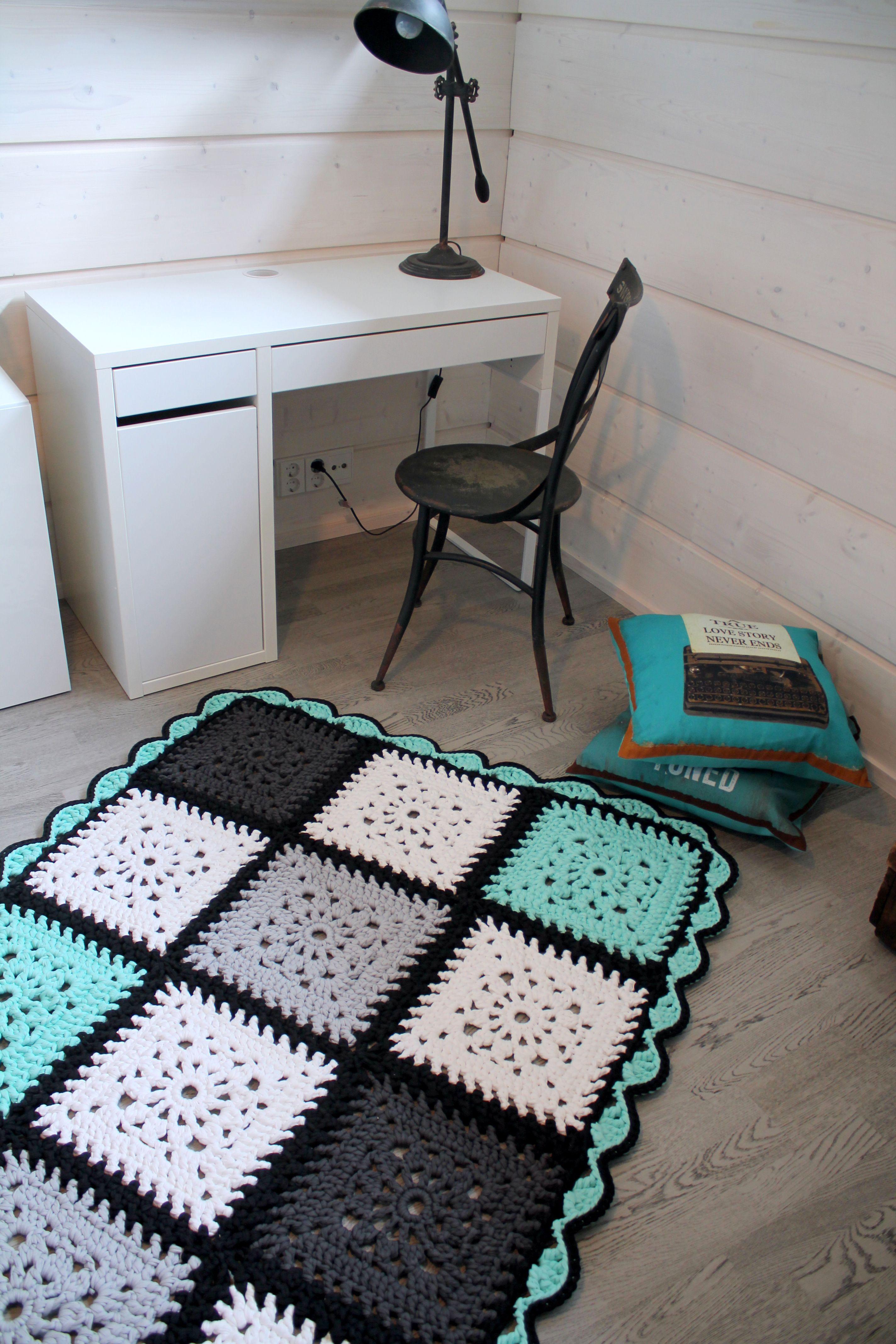 Virkattu matto | Craft Ideas | Pinterest | Teppiche, Häkeln und ...