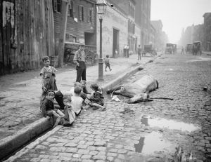 Jacob Riis: How the Other Half Lives: Studies among the Tenements of New York City (1890)