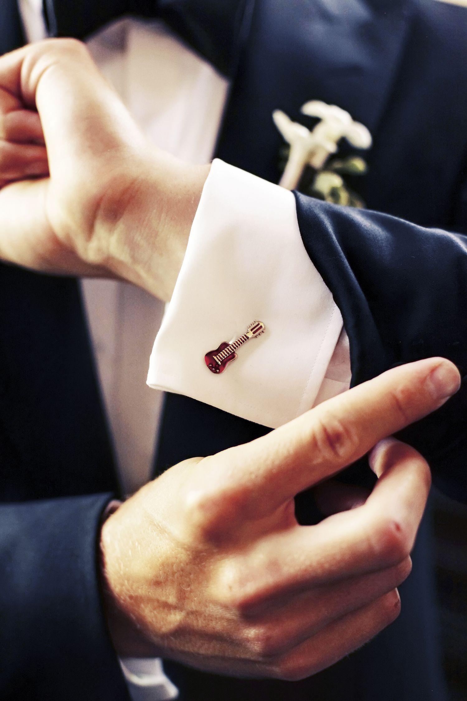 Cufflinksforgroomsclassicweddingsevantinedesign celebrity