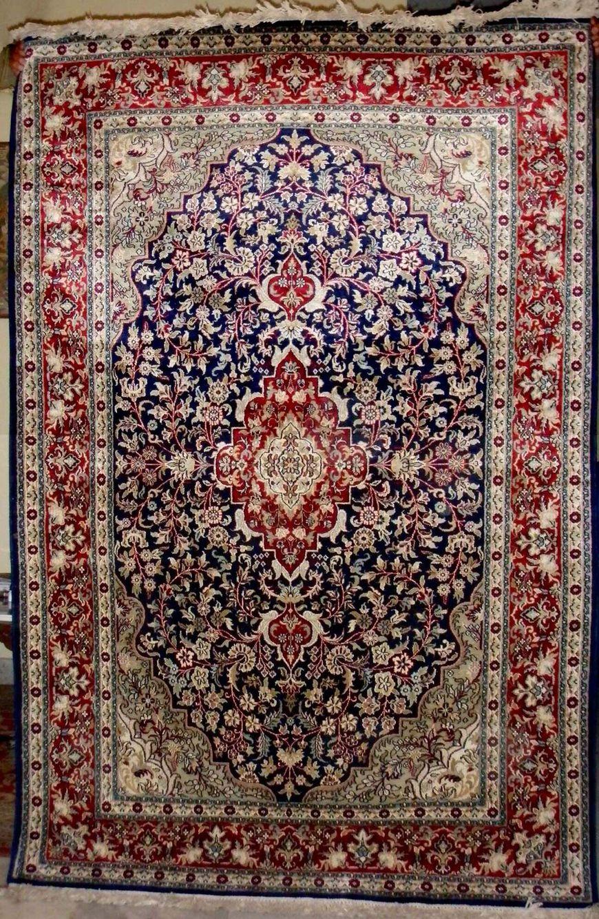Kashmir Handmade Silk Pile Carets 500