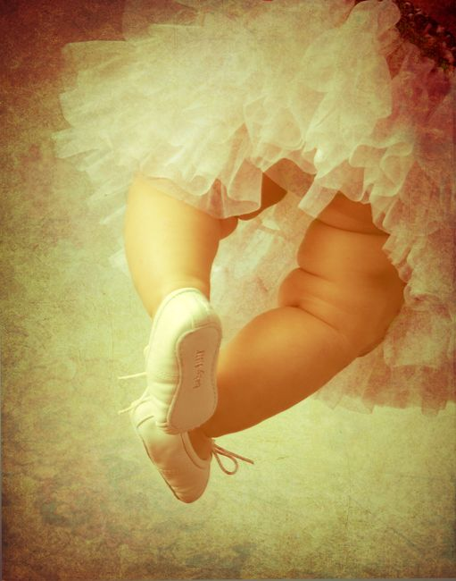 Love this idea for a baby girl photo...