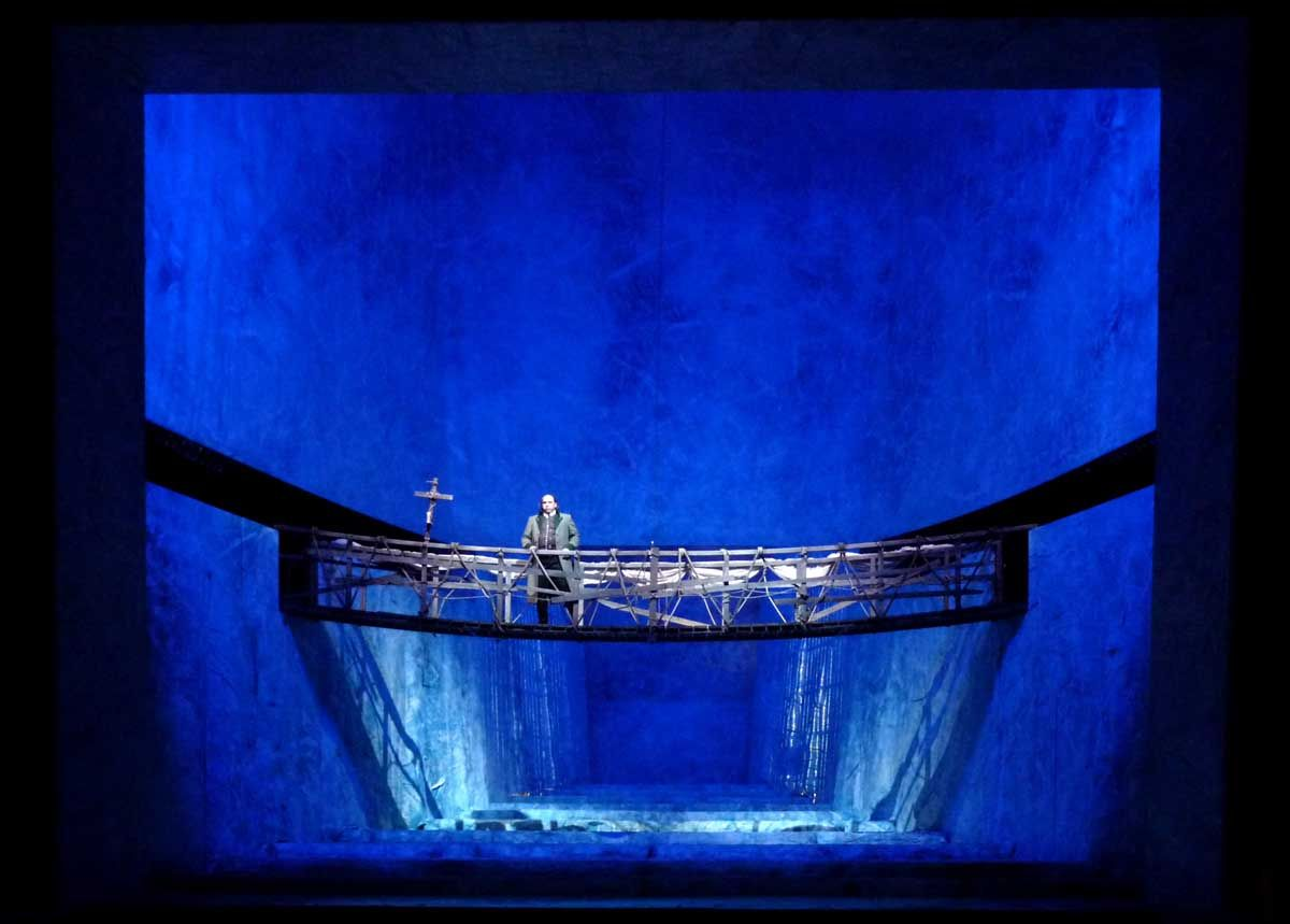 La Wally at the Tiroler Landestheater Austria. Production by Johannes Reitmeier. Sets by Thomas Dörfler.