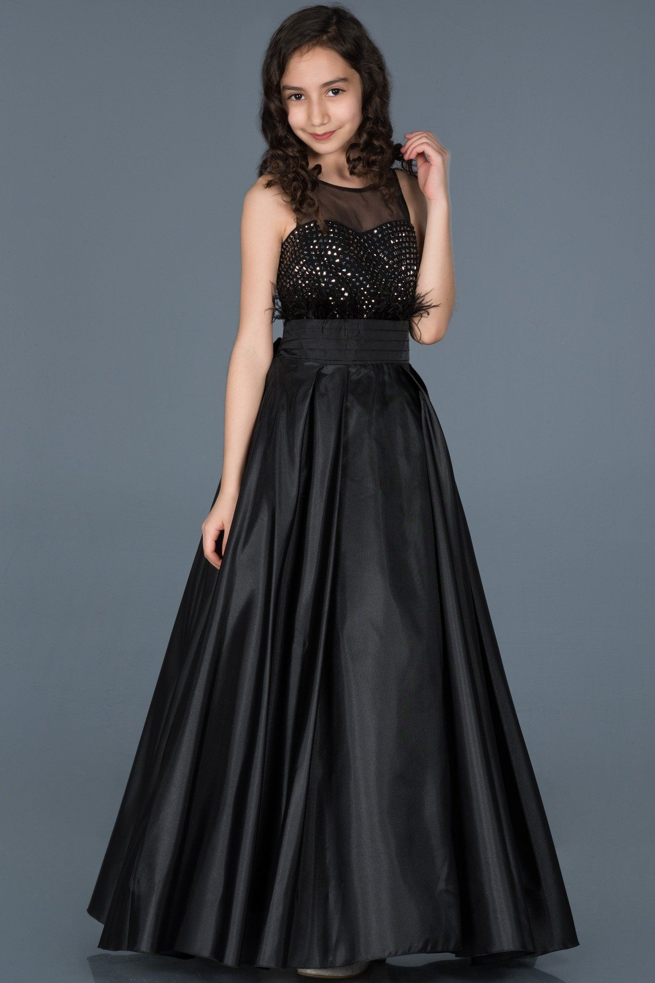 Siyah Uzun Otris Detayli Saten Cocuk Abiye Abu740 Moda Stilleri Alternatif Giyim Kadin Elbiseleri